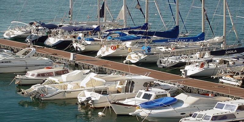 danni barca ormeggiata in porto