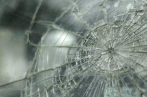 vetro rotto da incidente