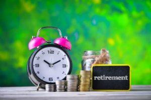 tempo di andare in pensione con sveglia e denaro