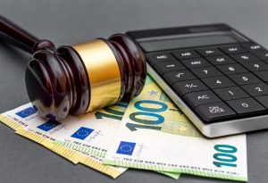 Patrocinio a spese dello Stato cittadini extra UE: dichiarazione sostitutiva in mancanza di risposta consolare